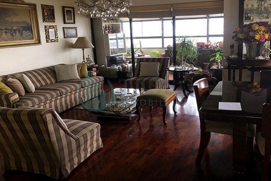 departamento en alquiler, san isidro, Santa Cruz, piso 5, vista a calle, terraza, balcón en dormitorio, 3 dormitorios, baño incorporado, sin muebles